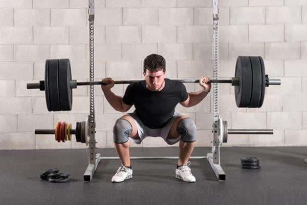 老倪提醒  生活中要养成良好的生活习惯  不要久坐等  要多锻炼身体  这样可以很好的预防颈椎病