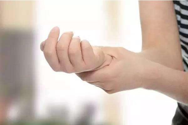 老倪膏药:手指发麻怎么办好啊?